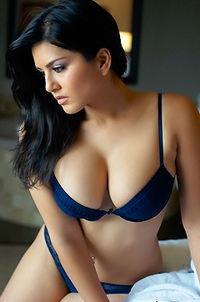 Beauty Babe Sunny Leone